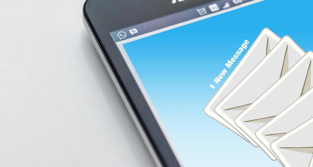 email na telefonu